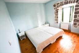 Спальня 2. Черногория, Росе : Просторный апартамент для 4 человек, две отдельные спальни, с террасой с видом на море