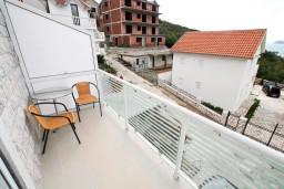 Балкон. Черногория, Жанице / Мириште : Студия с балконом с видом на море