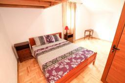 Черногория, Жанице / Мириште : Апартамент для 2-4 человек, с отдельной спальней, с балконом с видом на море