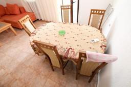 Гостиная. Черногория, Жанице / Мириште : Апартамент для 4-6 человек, 2 отдельные спальни, с балконом с видом на море