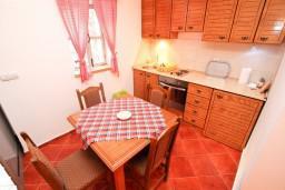 Кухня. Черногория, Радовичи : Студия для 2-4 человек