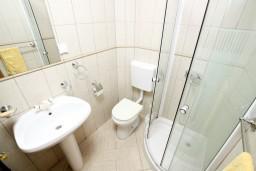 Ванная комната. Черногория, Радовичи : Студия для 2-4 человек