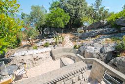 Терраса. Черногория, Крашичи : Каменный дом на Луштице на самом берегу моря, 2 спальни, большая терраса с шикарным видом на залив