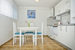 Студия (гостиная+кухня). Черногория, Герцег-Нови : Студия Текома для двоих с балконом и видом на море
