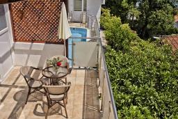 Балкон. Черногория, Герцег-Нови : Студия Текома для двоих с балконом и видом на море