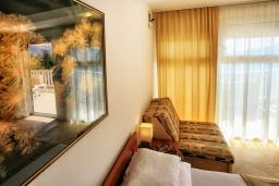 Спальня. Черногория, Герцег-Нови : Апартамент Кала с видом на море