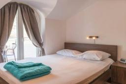 Спальня 2. Черногория, Дженовичи : Апартамент в 100 метрах от пляжа с гостиной, двумя спальнями и балконом
