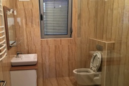 Ванная комната 2. Черногория, Ульцинь : Прекрасная вилла с бассейном и видом на море, 4 спальни, 3 ванные комнаты, парковка, Wi-Fi