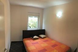Спальня 5. Черногория, Сутоморе : Уютная вилла с зеленым двориком и барбекю, 5 спален, 2 ванные комнаты, парковка, Wi-Fi