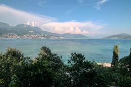 Вид на море. Черногория, Нивице : Студия в 50 метрах от пляжа, с кондиционером, телевизором и террасой с видом на море