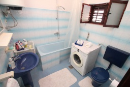 Bath room. Montenegro, Baosici : Apartment with 2 bedrooms in Baosici