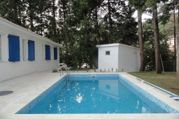 Swimming pool. Montenegro, Petrovac : Villa with 3 bedrooms in Petrovac for 7 guests