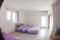 Черногория, Рафаиловичи : Комната на 3 персоны, 30 метров от пляжа