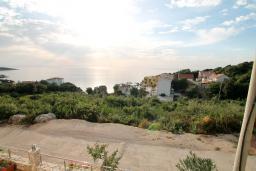 Вид на море. Черногория, Утеха : Большой апартамент для 4-6 человек, 2 отдельные спальни, с балконом с шикарным видом на море