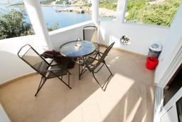 Черногория, Утеха : Студия для 3-4 человек, с балконом с шикарным видом на море, возле пляжа