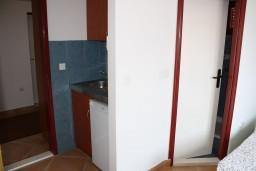 Кухня. Черногория, Игало : Апартамент на 3 этаже с двумя спальнями для 4-х человек