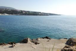 Ближайший пляж. Черногория, Утеха : Домик с 2-мя отдельными спальнями, с террасой с шикарным видом на море, 80 метров до пляжа