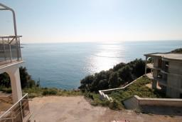 Вид на море. Черногория, Утеха : Домик с 2-мя отдельными спальнями, с террасой с шикарным видом на море, 80 метров до пляжа