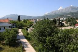 Вид. Черногория, Игало : Студия на 3 этаже с балконом и видом на море, на вилле с бассейном