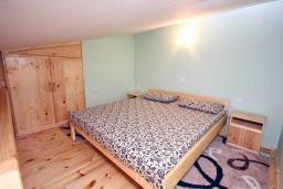 Спальня. Черногория, Бар : Студия в центре Бара в 150 метрах от моря