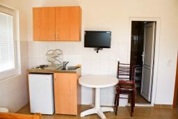 Черногория, Бар : Студия для 3 человек