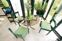 Студия (гостиная+кухня). Черногория, Шушань : Современная трёхместная студия в Баре