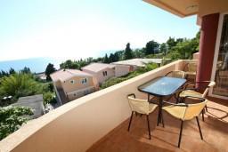 Балкон. Черногория, Шушань : Апартамент для 5-7 человек, 2 отдельные спальни, с балконом с шикарным видом на море