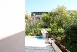 Терраса. Черногория, Шушань : Уютная студия в 50 метрах от пляжа