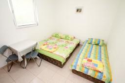 Студия (гостиная+кухня). Черногория, Чань : Студия для 3 человек