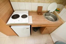 Кухня. Черногория, Чань : Студия для 3 человек