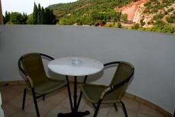 Черногория, Чань : Комната для 3 человек, с балконом с видом на море