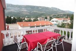 Балкон. Черногория, Сутоморе : Апартамент для 3-5 человек, с отдельной спальней