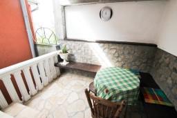 Терраса. Черногория, Бигова : Студия для 2 человек, 50 метров до моря