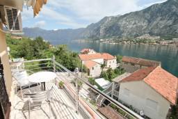 Балкон. Черногория, Муо : Студия с балконом с шикарным видом на море, 20 метров до пляжа