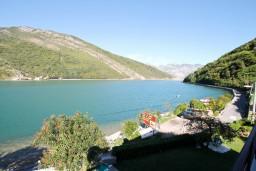Вид на море. Черногория, Лепетане : Студия с балконом с шикарным видом на море, 20 метров до пляжа