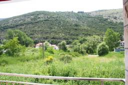 Вид. Черногория, Игало : Второй этаж виллы с 4-мя отдельными спальнями, с 3-мя ванными комнатами, вилла расположена на берегу песчаного (детского) пляжа в Игало.