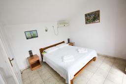Студия (гостиная+кухня). Черногория, Доня Ластва : Уютная студия возле моря