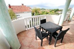 Балкон. Черногория, Селяново : Апартамент для 4 человек, с 2-мя отдельными спальнями, с балконом с видом на море