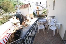 Балкон. Черногория, Селяново : Апартамент для 3-6 человек, с отдельной спальней