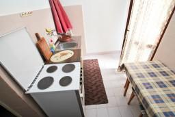 Кухня. Черногория, Селяново : Студия для 3 человек, возле пляжа
