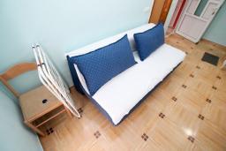 Черногория, Селяново : Апартамент для 2-4 человек, с отдельной спальней, с балконом с видом на море, 100 метров до пляжа