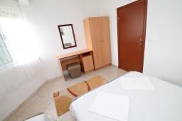 Спальня. Черногория, Ульцинь : Апартамент с отдельной спальней, с балконом с шикарным видом на море