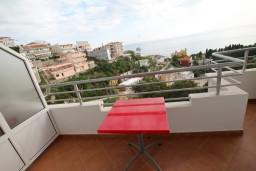 Балкон. Черногория, Ульцинь : Апартамент для 5-6 человек, с 2-мя отдельными спальнями, с балконом с шикарным видом на море