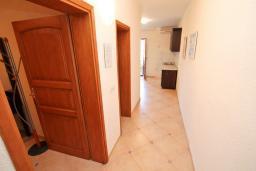 Коридор. Черногория, Велика плажа : Апартамент с 1 спальней, балконом и видом на море