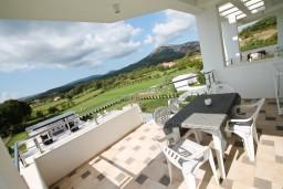 Балкон 2. Черногория, Велика плажа : Современный апартамент для 4 человек, с просторной гостиной и двумя спальнями, с 2-мя балконами