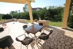 Терраса. Черногория, Велика плажа : Апартамент с отдельной спальней в 500 метрах от моря