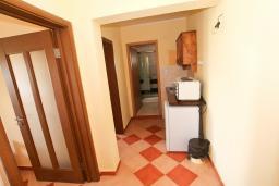 Кухня. Черногория, Велика плажа : Апартамент для 6 человек, с 2-мя отдельными спальнями