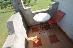 Балкон. Черногория, Велика плажа : Апартамент для 6 человек, с 2-мя отдельными спальнями