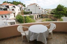 Балкон. Черногория, Ульцинь : Комната для 3 человек, с общей кухней