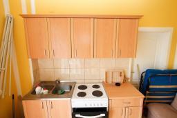 Кухня. Черногория, Ульцинь : Комната для 3 человек, с общей кухней